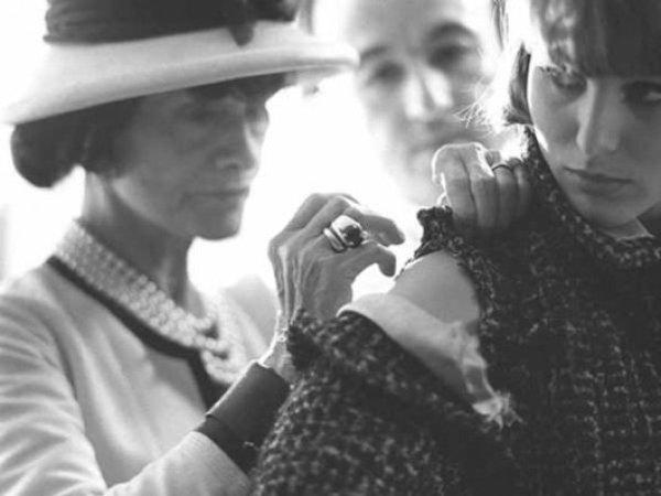 Tweed  from Scotland to Chanel – SIMONA CARIGNANO • Style Coach ae7cfbcdff2